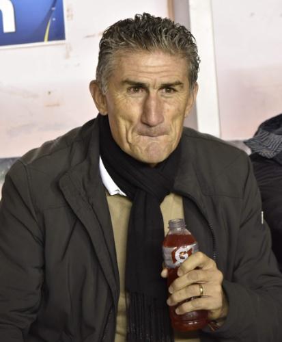 Bauza assiste a The Strongest x São Paulo do banco de reservas no jogo pela Libertadores