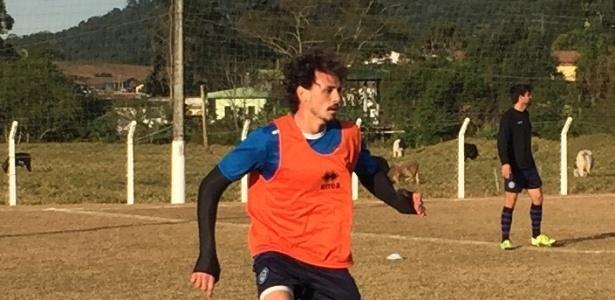 Giordano Piffero estuda administração e vai jogar Série B do catarinense com o Tubarão