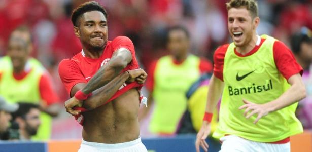 Vitinho é um dos jogadores que interessam ao Flamengo para 2017 - Ricardo Duarte/Internacional