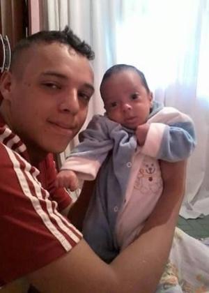 Bruno ao lado do filho Enzo, anos atrás