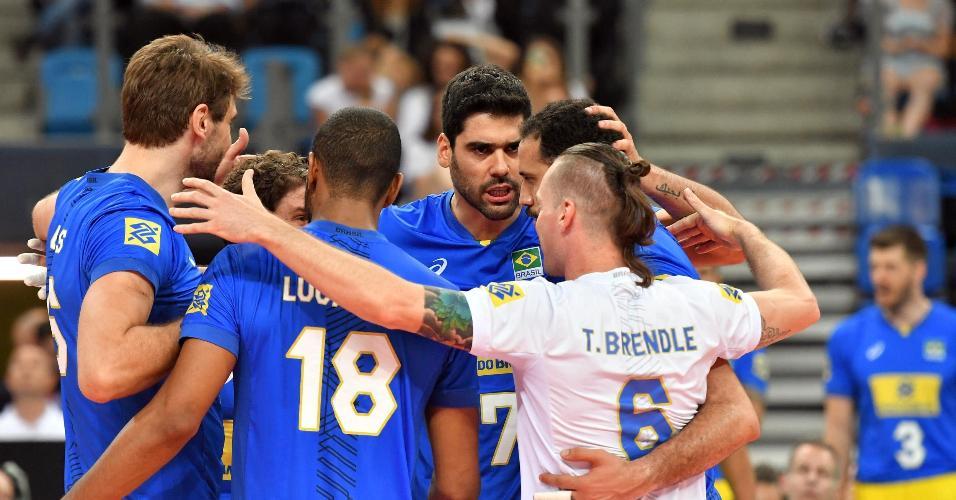 Brasil x Polônia na Liga Mundial de vôlei