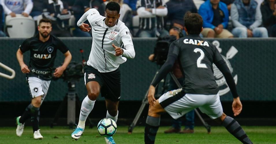 Jô desperdiçou um pênalti na partida entre Corinthians x Botafogo
