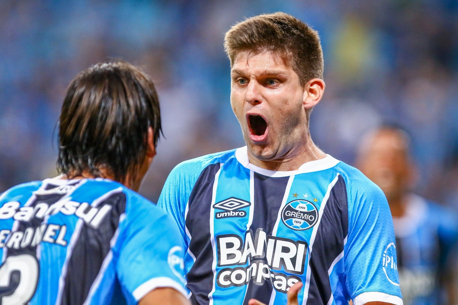 Grêmio faz ajustes na camisa 87a1ef4867edf