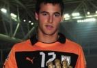 Fluminense anuncia contratação de goleiro uruguaio De Amores