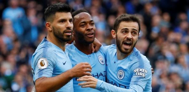 Jogadores do City comemoram primeiro gol na partida contra o Brighton - REUTERS/Phil Noble