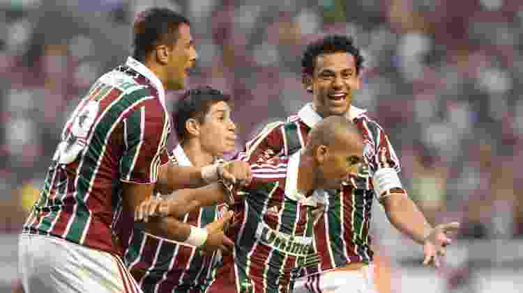 Jogadores do Fluminense comemoram gol contra o Guarani, que garantiu o título brasileiro de 2010 - EFE/Marcos Michael - EFE/Marcos Michael