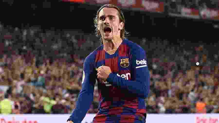 Antoine Griezmann marca para o Barcelona contra o Betis - Josep LAGO / AFP