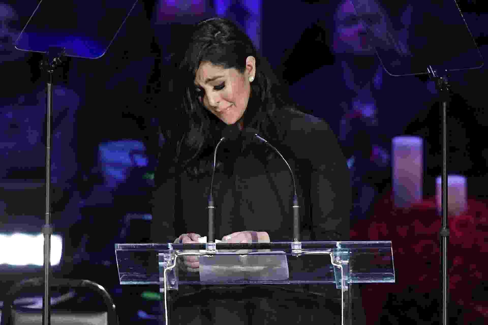 Vanessa Bryant se emociona ao falar de Gianna e Kobe durante evento realizado em Los Angeles - Kevork Djansezian/AFP