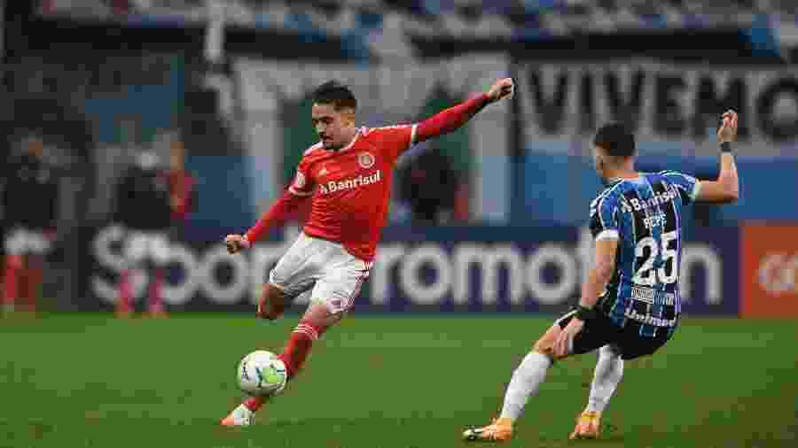 Heitor, lateral do Inter, poderá reassumir posto no time na próxima quinta-feira - Ricardo Duarte/SC Inter