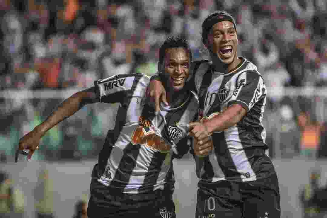 Jô e Ronaldinho Gaúcho campeões da Libertadores de 2013 pelo Atlético-MG - undefined