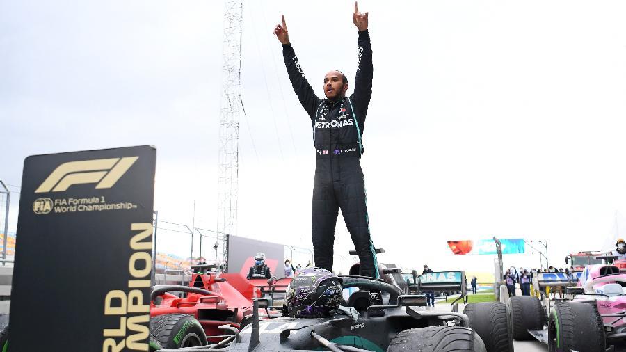 Hamilton conquistou o sétimo título na F-1 - CLIVE MASON/AFP