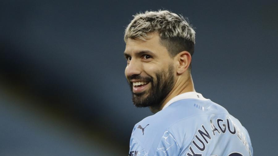 Kun Aguero pode ser reforço do Barcelona - REUTERS/Clive Brunskill