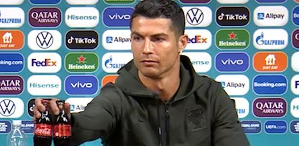 Crítica a refrigerantes | Coca-Cola perde US$ 4 bilhões após gesto de Cristiano Ronaldo