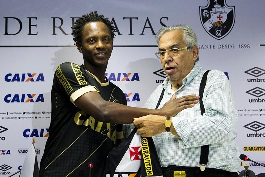 669b9d6c84 Eurico desiste de Ronaldinho e usa chegada de Andrezinho para  amenizar  -  30 06 2015 - UOL Esporte