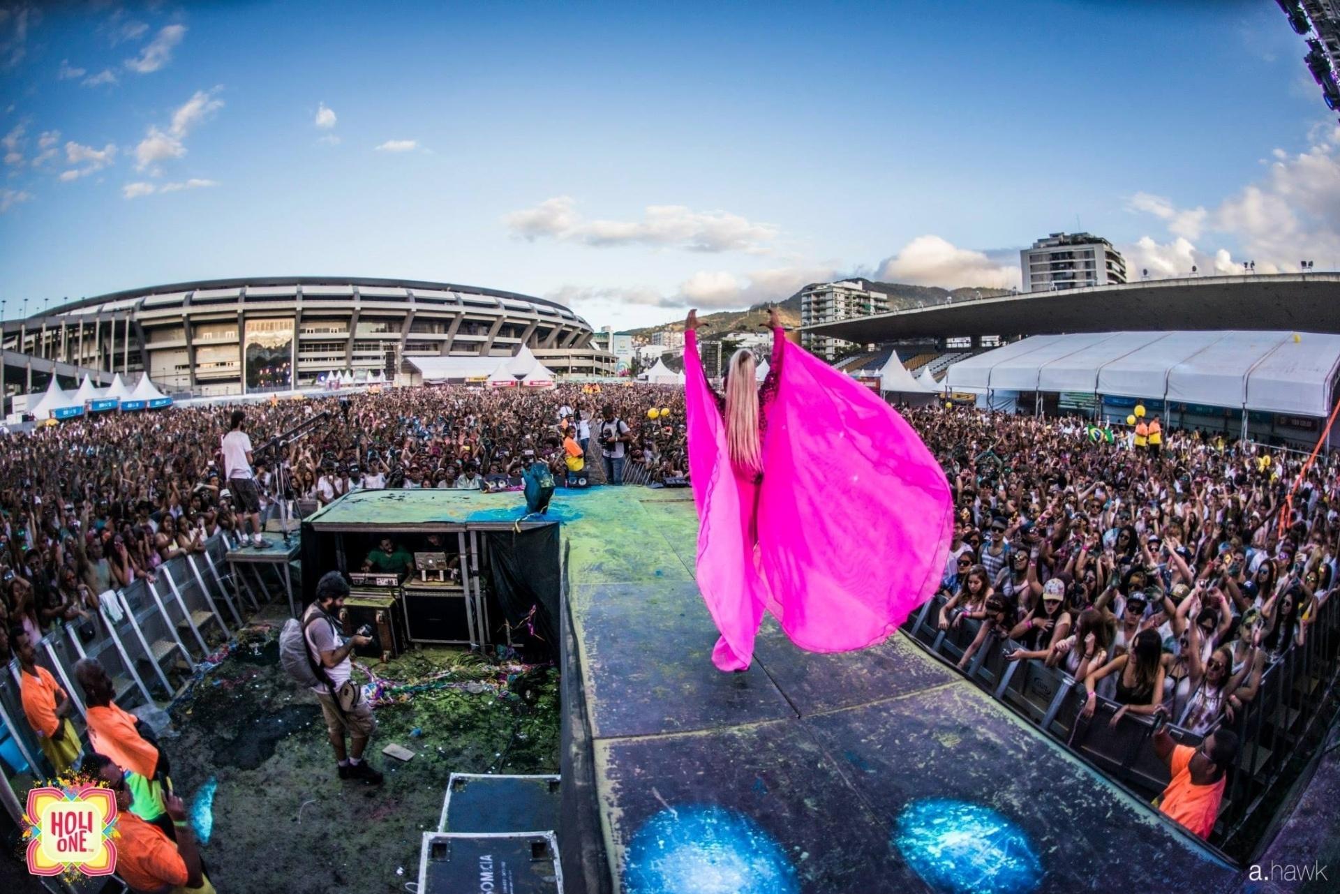 Festa Holi One no Maracanã. Junho de 2015