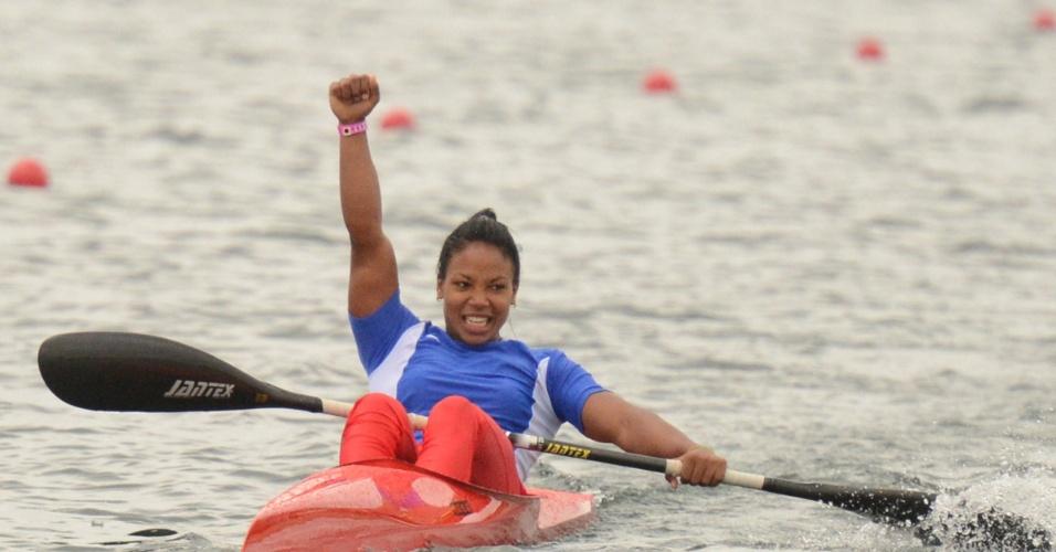 3) A canoísta cubana Yusmari Mengana comemora ouro no K1 200m. Ela deixou Toronto com 3 ouros