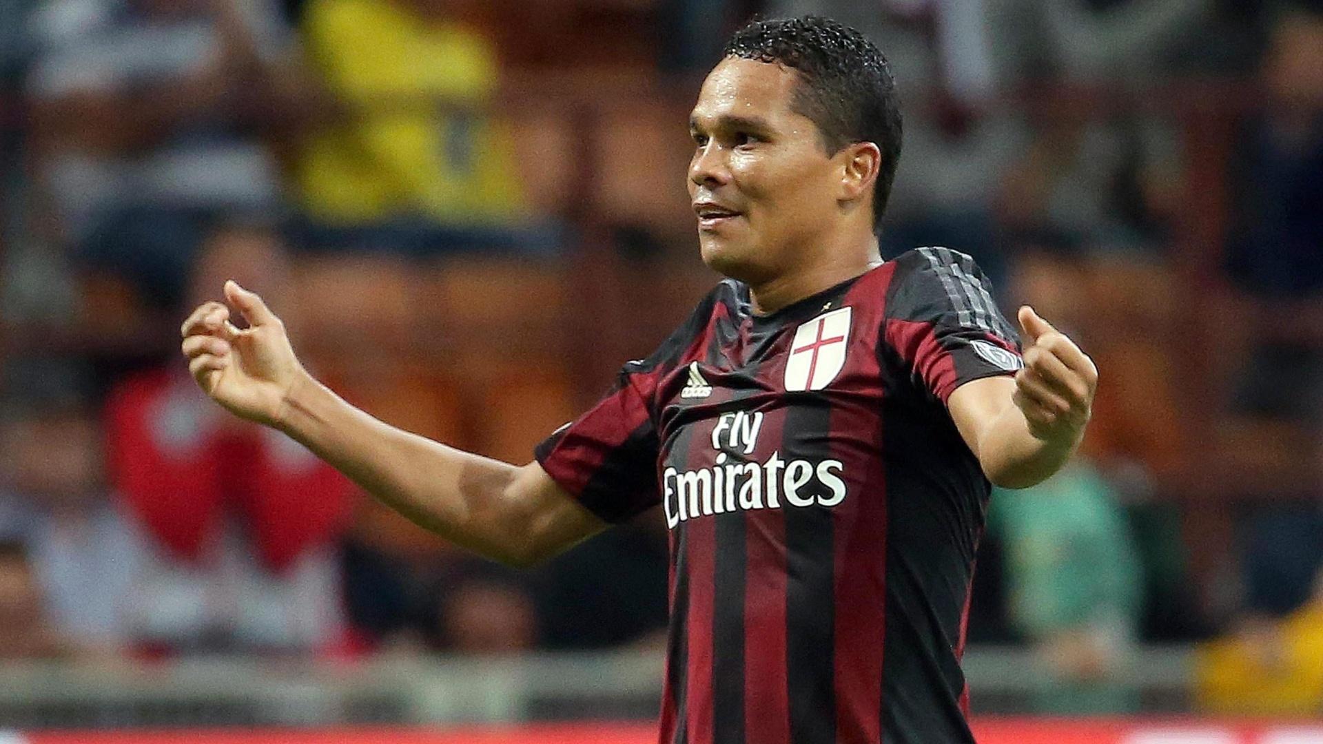 Carlos Bacca marca duas vezes na vitória do Milan sobre o Palermo pelo Campeonato Italiano