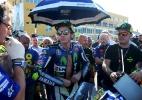 Mulher que levou pontapé de Valentino Rossi diz que vai processar piloto - REUTERS/Heino Kalis
