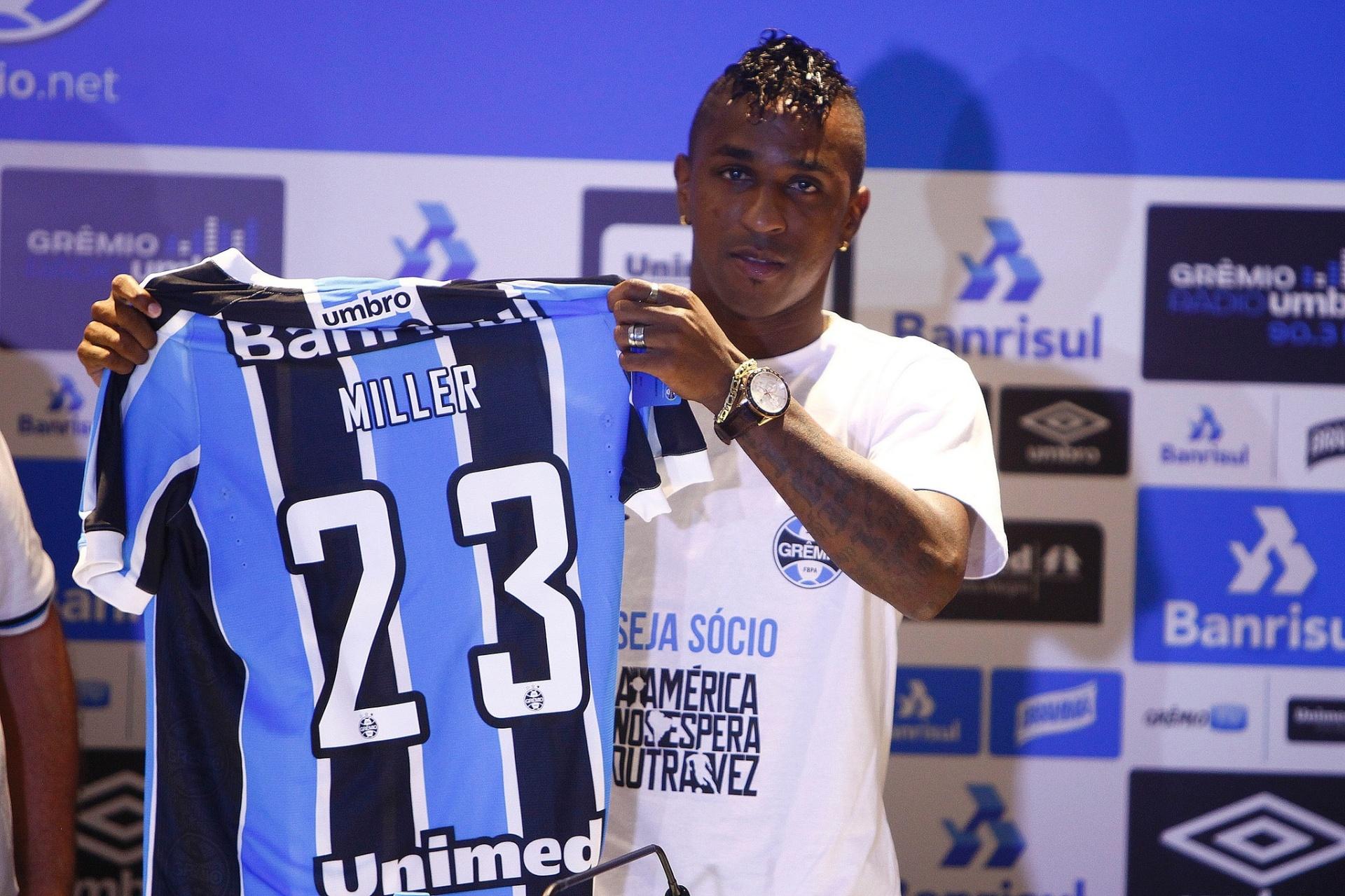 Reforço do Grêmio pede número de Michael Jordan e muda nome na camisa -  11 02 2016 - UOL Esporte 6a87fd996da6e