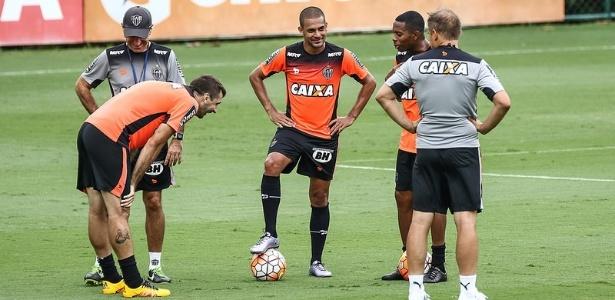 Pratto e Clayton vão ser titulares contra o Tupi. Robinho vai ser avaliado no treino deste sábado - Bruno Cantini/Clube Atlético Mineiro