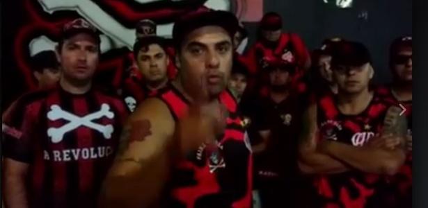 Torcedores de organizada do Atlético-PR ameaçam Walter em vídeo