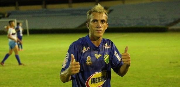 Gilcelan Matos, volante do Altos-PI, semifinalista do 2º turno do Campeonato Piauiense
