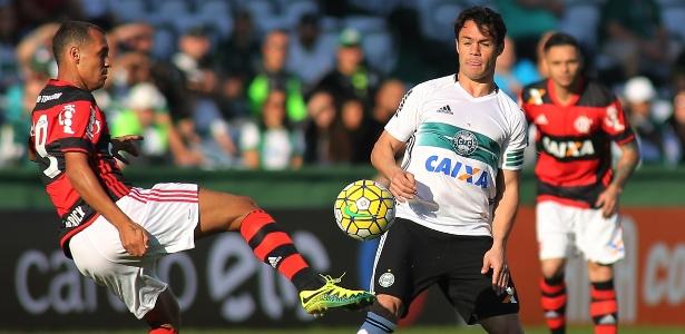 Kleber Gladiador soma 21 gols e é o artilheiro do Coritiba na temporada