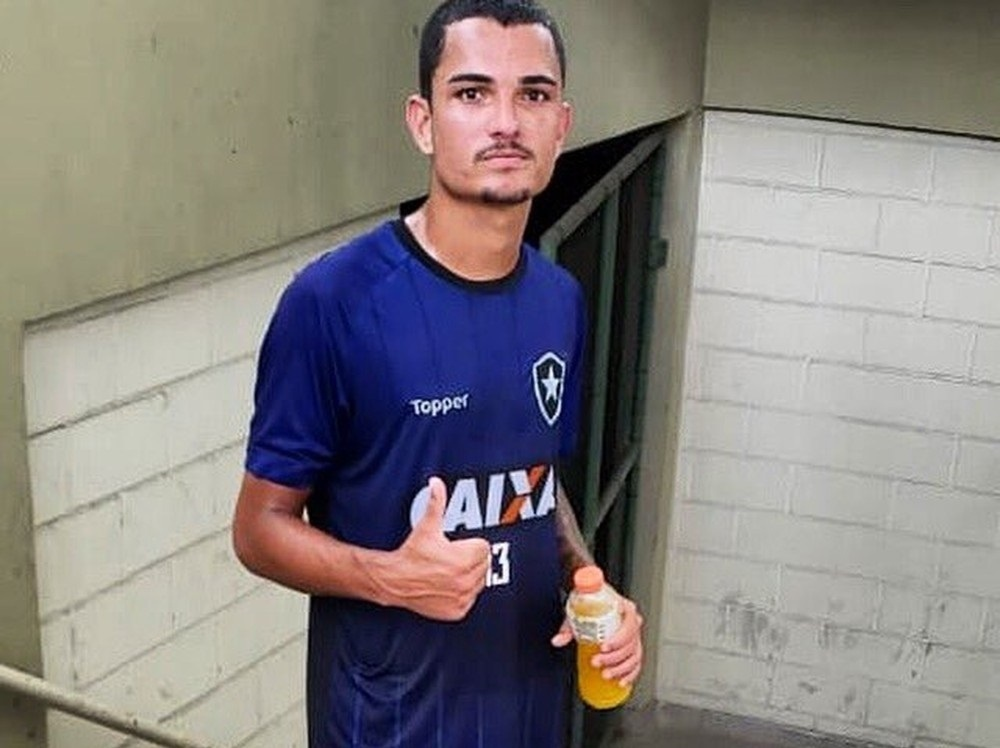 Alessandro Scheppa, o Zé Gatinha, foi contratado pelo Botafogo em período de teste
