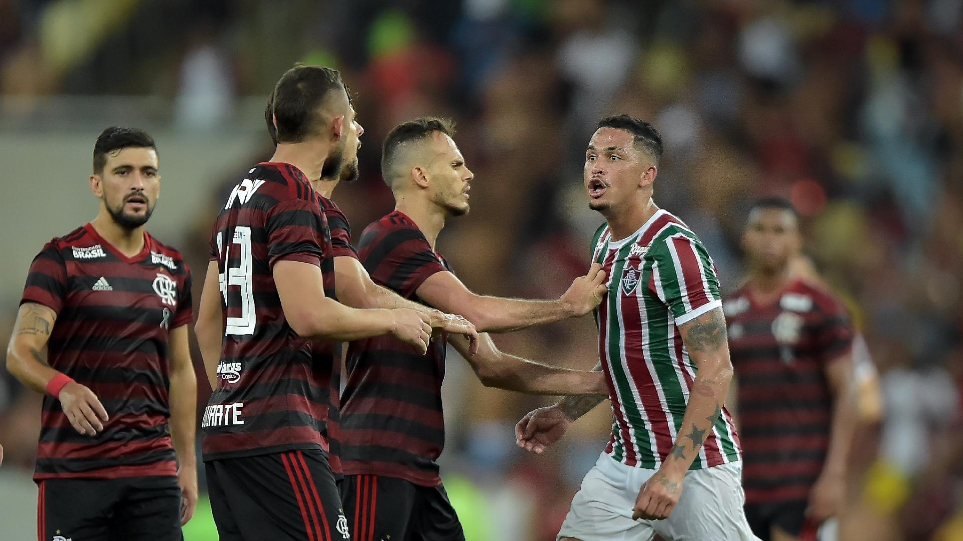Luciano do Fluminense durante partida contra o Flamengo pelo campeonato Carioca
