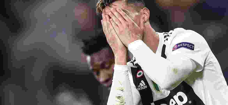 Cristiano Ronaldo demonstra insatisfação com partida que marcou a eliminação da Juve - Isabella Bonotto/AFP