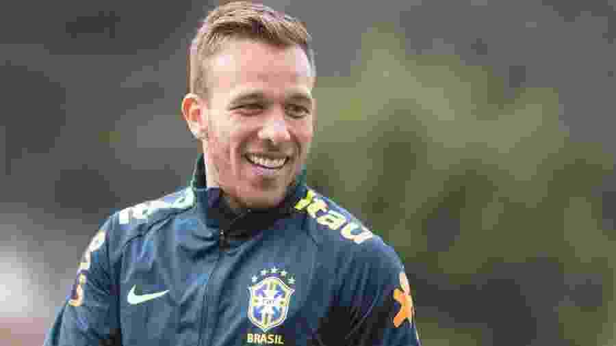 Arthur, durante treino da seleção brasileira antes da Copa América - Lucas Figueiredo/CBF