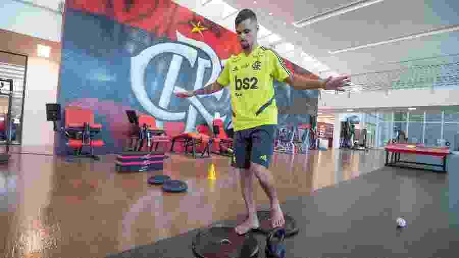Atacante Michael faz trabalho na academia do CT do Flamengo - Alexandre Vidal / Flamengo