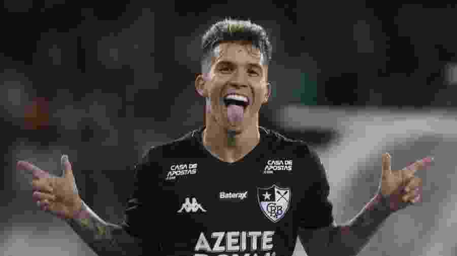 Bruno Nazário comemora seu gol que deu a vitória ao Botafogo por 2 a 1 sobre o Boavista - Vitor Silva / Botafogo
