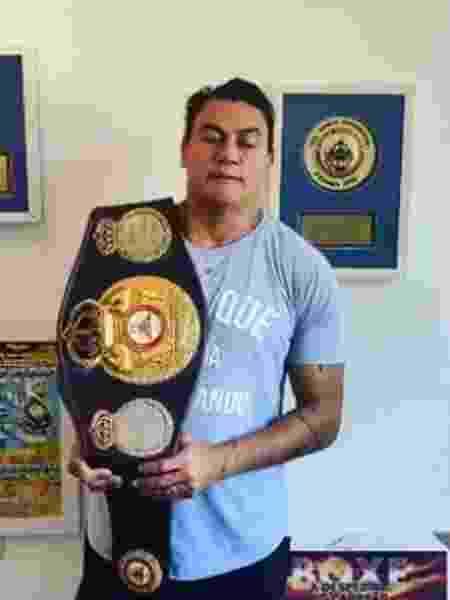 Popó vai leiloar cinturão de campeão de mundial para comprar cestas básicas - Reprodução/Instagram
