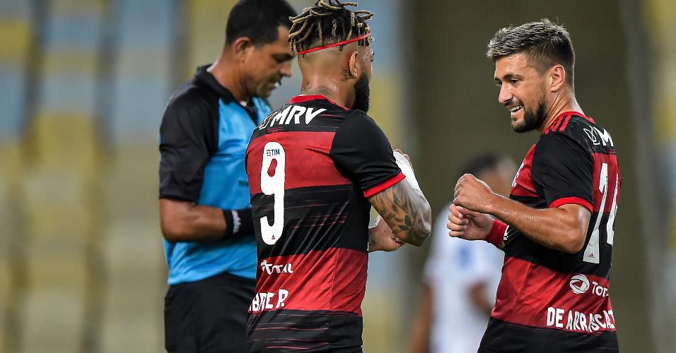 Arrascaeta, do Flamengo, comemora gol contra o Bangu, pelo Carioca