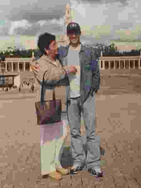 Juninho Petrolina ao lado da mãe Angélica - Arquivo Pessoal - Arquivo Pessoal