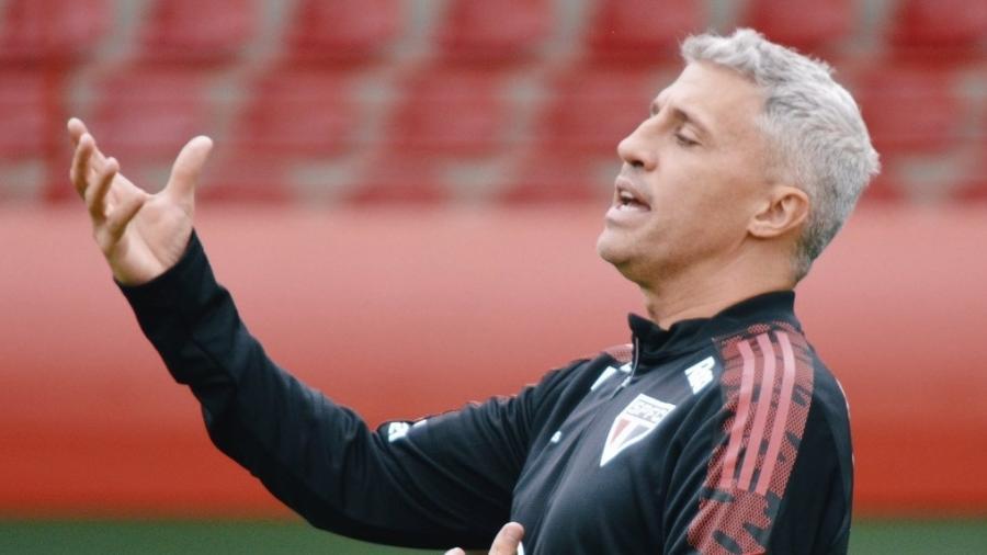Crespo comanda treino do São Paulo no CT da Barra Funda, nesta sexta-feira - Divulgação/SPFC
