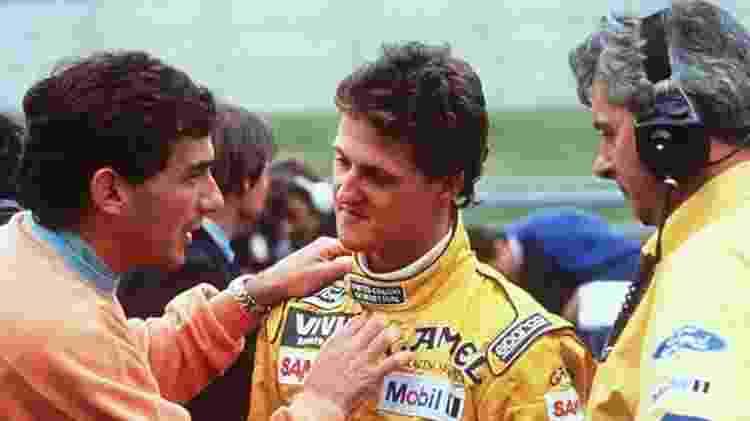 Ayrton Senna tira satisfação com Michael Schumacher após batida no GP da França de 92 - Reprodução - Reprodução
