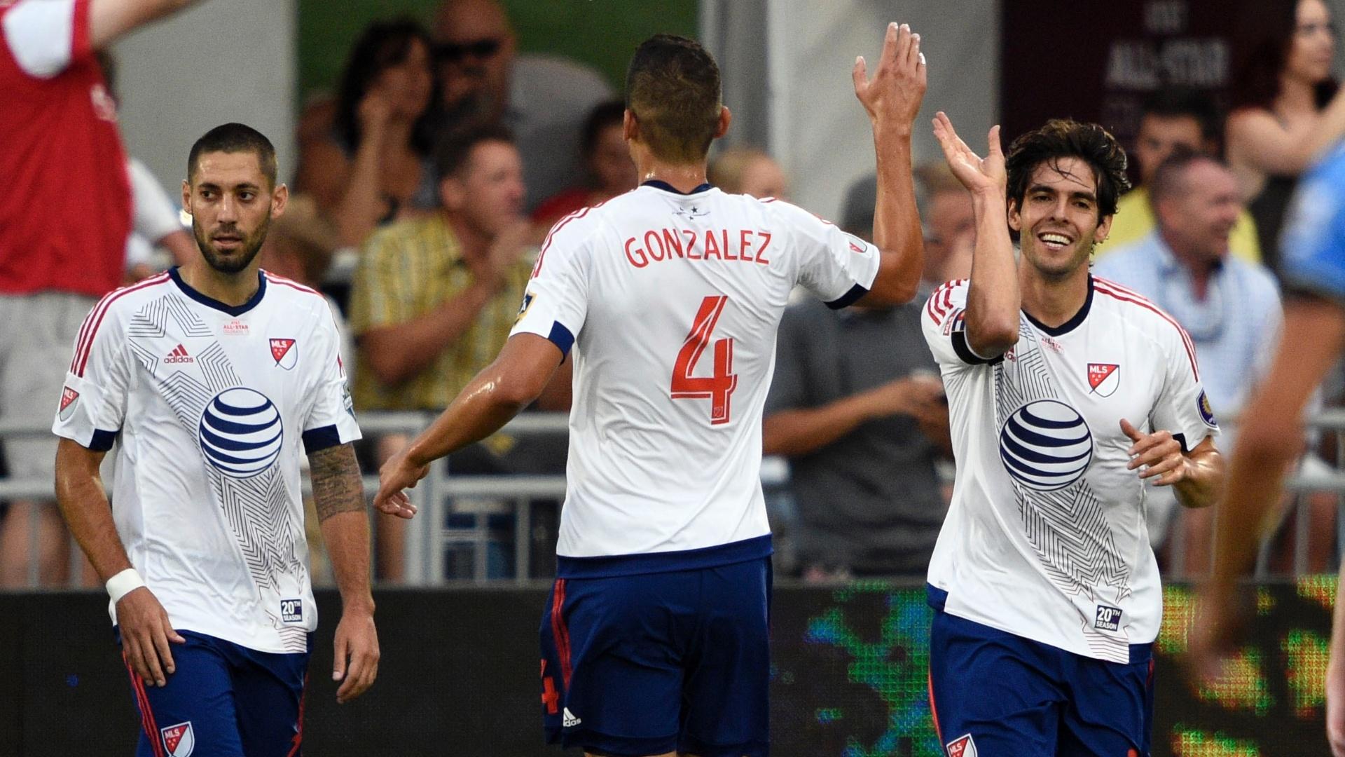 Kaká comemora gol marcado pelo time das Estrelas da MLS contra o Tottenham