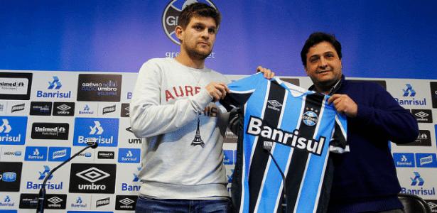Kannemann é apresentado pelo Grêmio como 10º reforço do time - Lucas Uebel/Grêmio