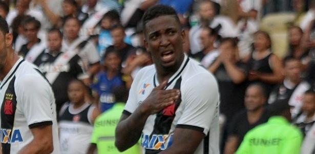 Thalles chora ao comemorar o gol do acesso do Vasco na Série B