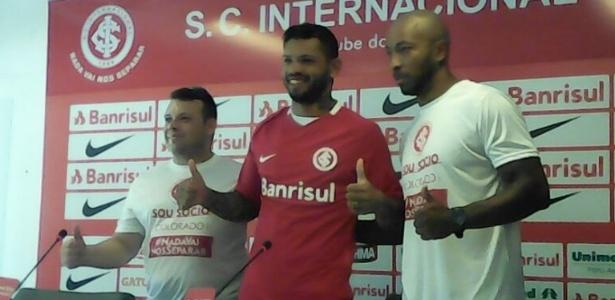Carlos, atacante do Inter, em apresentação oficial do clube