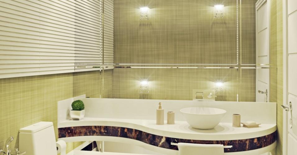 Banheiro da casa do zagueiro do Atlético-MG