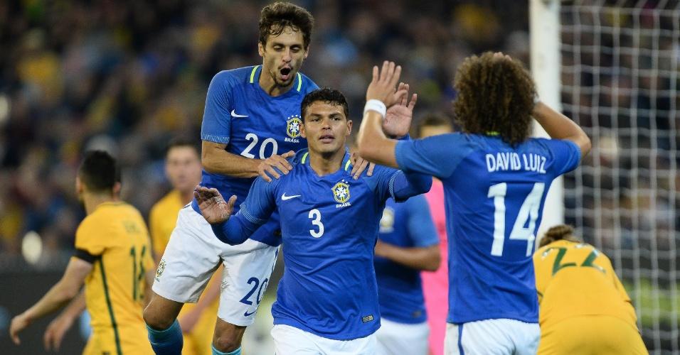 Thiago Silva comemora segundo gol da seleção contra Austrália