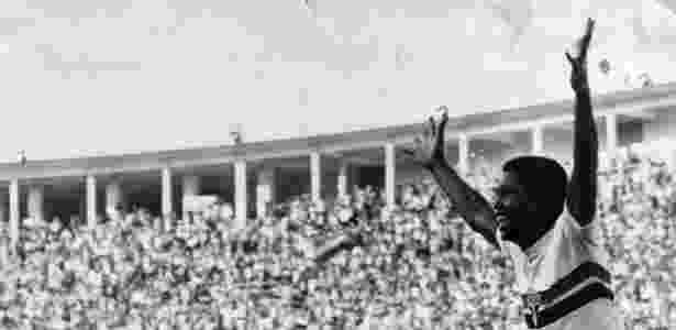 Serginho Chulapa comemora gol no Pacaembu - Folhapress - Folhapress