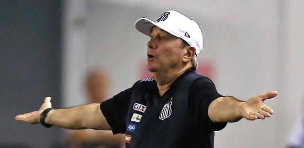 Treinador concedeu dois dias de folga ao elenco após vitória contra o Atlético-GO - Reuters/Paulo Whitaker