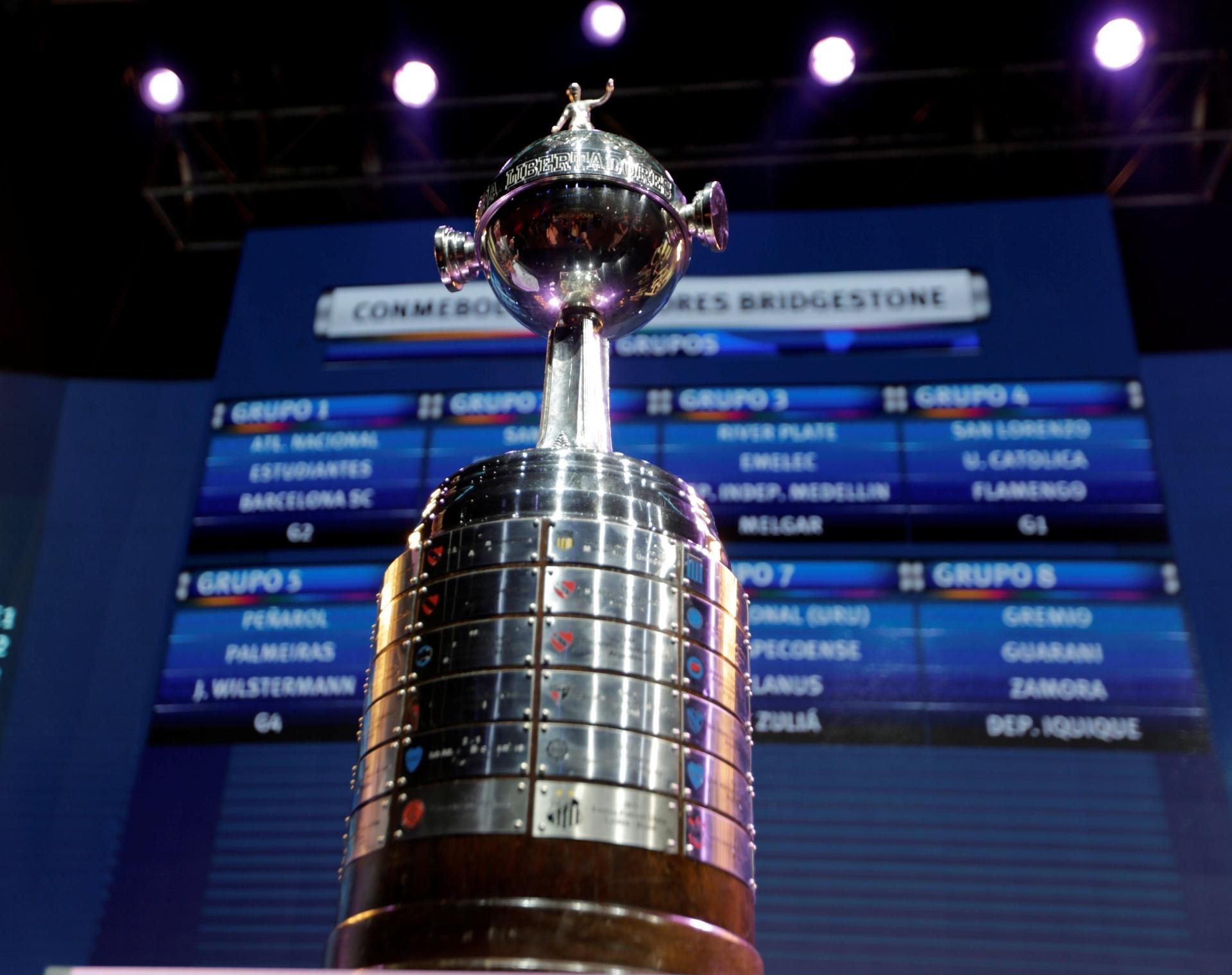 Libertadores terá ao menos 12 duelos entre campeões já na fase de grupos -  21 12 2017 - UOL Esporte ea5227a2016fd
