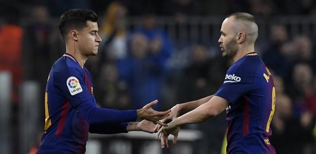Coutinho entra em campo no lugar de Iniesta e estreia pelo Barcelona