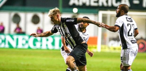 Róger Guedes em ação durante jogo do Atlético-MG contra o Ceará