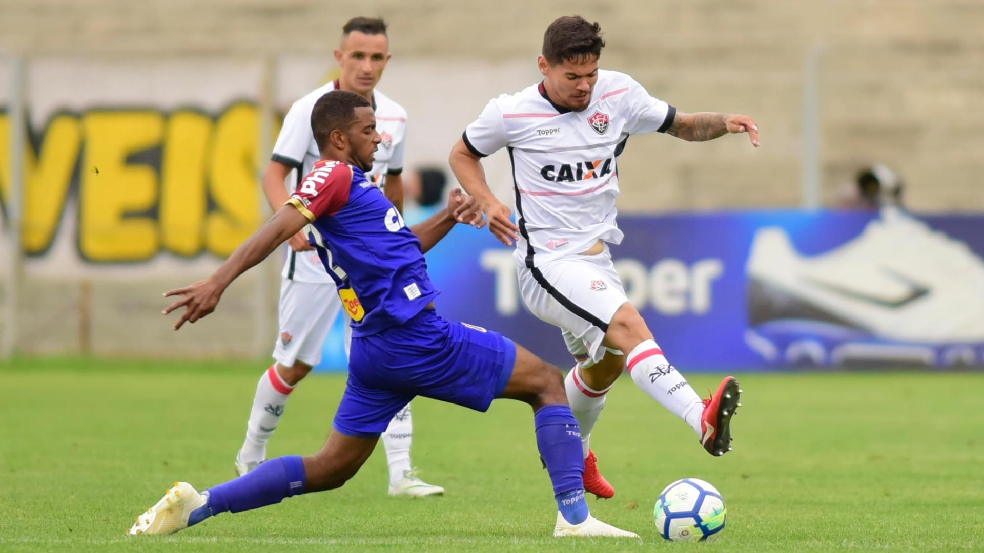 Paraná e Vitória empataram neste domingo (4)